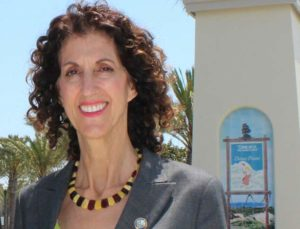 Dana Point Mayor Debra Lewis